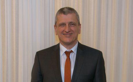 Dr. Thomas Lautsch